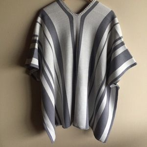 Artisan Ny Jackets & Coats - Artisan NY Wool Blend Open Poncho Sweater